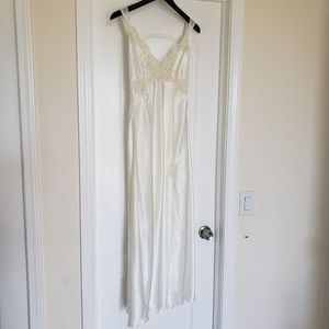 Victoria Secret Chemise Negligee Nightgown Ivory M
